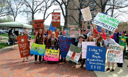 Students support the environment at 2016 EarthFest Expo in Rochester