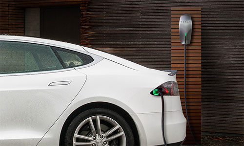 Tesla offering free chargers to Minnesota hotels and resorts